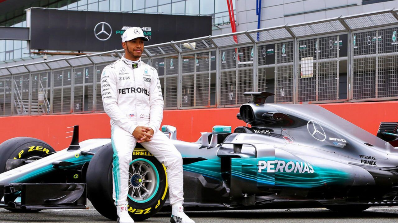 Lewis Hamilton Willing To Consider New Mercedes Contract And Pay Cut But Demands Huge Clause