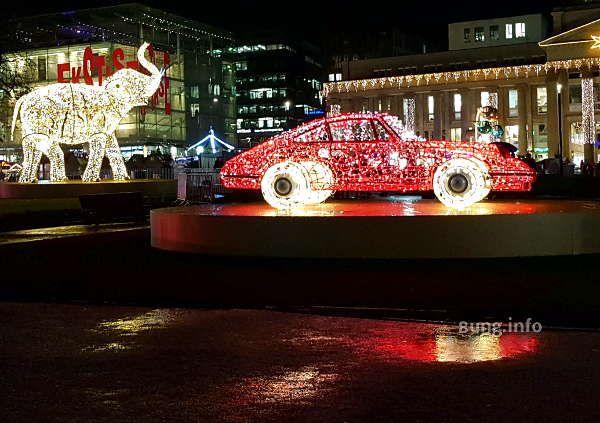 Leuchtende Adventszeit in der Autostadt Stuttgart