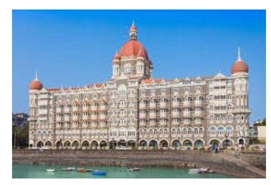 Two Taj hotels in Mumbai recieves threat call from Pak,police on alert.