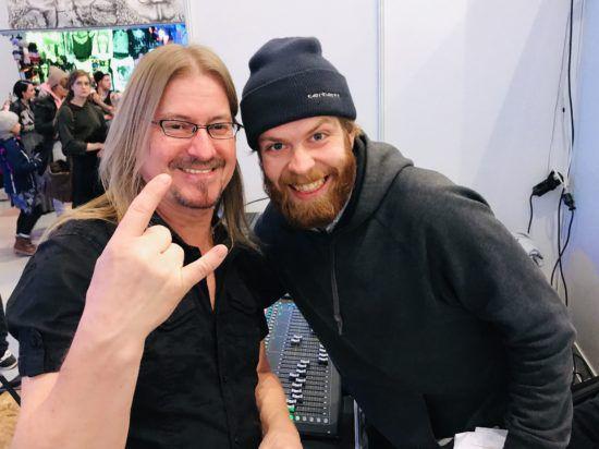 Tattoomenta 2019 - Der Wacken-erfahrene Tattoomenta-Moderator Knicki Knacki (l.) und Paul Hessemer, der für den guten Ton der Veranstaltung zuständig war.