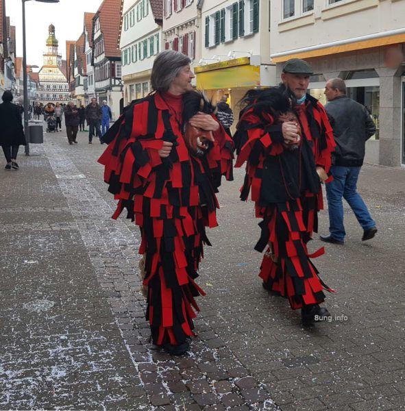 Männer in Fasnetkostümen
